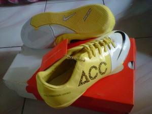 nike acc yellow