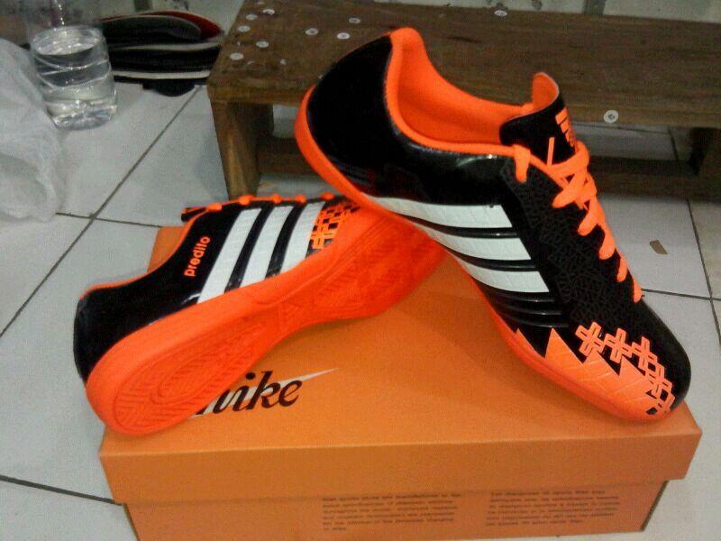 Sepatu Futsal Adidas Terbaru 4c155cd0f2