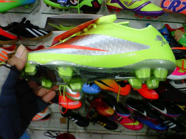 ... murah 691bf inexpensive nike hypervenom soccer4 79a42 f28c5 switzerland sepatu  bola nike ... 220f7d0f67